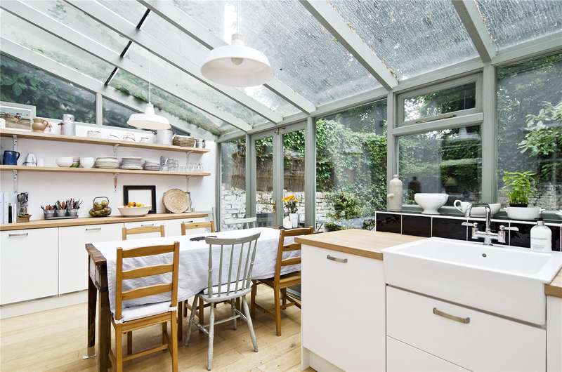4 Bedrooms Semi Detached House for sale in Mildmay Park, London, N1
