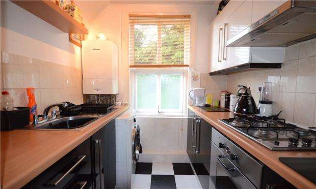 1 Bedroom Apartment Flat for sale in Upper Gordon Road, Camberley, Surrey