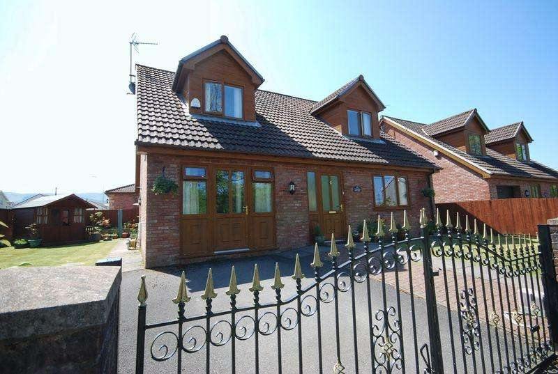 3 Bedrooms Detached House for sale in Calfaria Cottage, Cwm Isaac, Rhigos, Aberdare, CF44 9AX