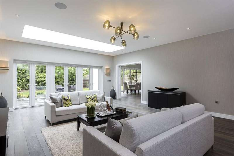 5 Bedrooms Detached House for sale in Harman Drive, The Hocrofts, London, NW2