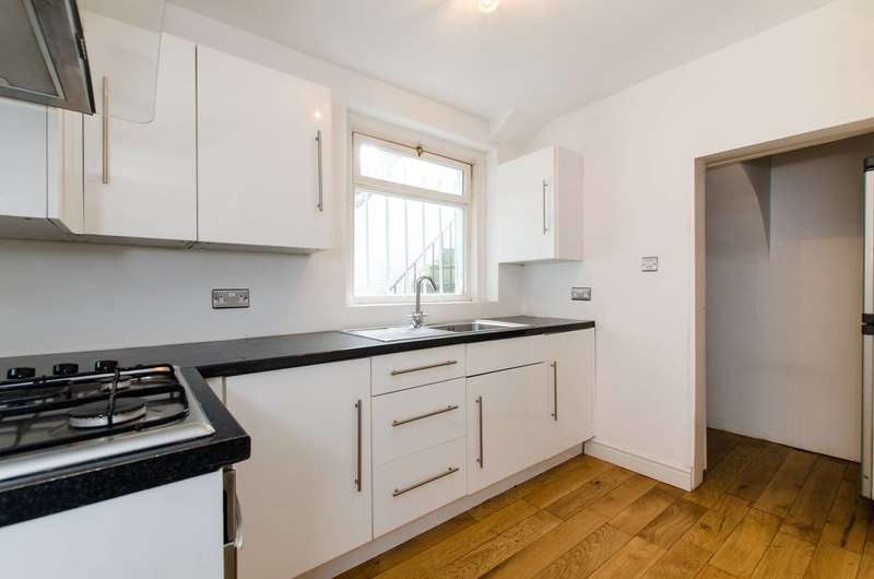 2 Bedrooms Flat for sale in Victoria Rise, Clapham Old Town, SW4