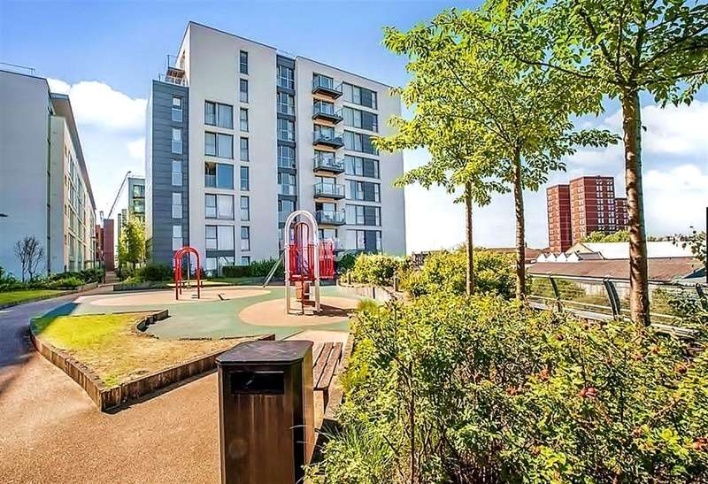 2 Bedrooms Apartment Flat for sale in Signal Building , Station Approach , hayes, UB3 4FG