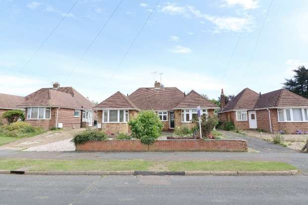 2 Bedrooms Bungalow for sale in Windmill Road, Polegate, BN26