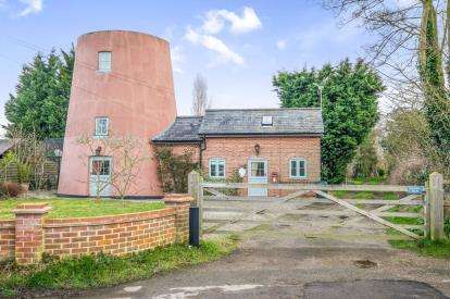 3 Bedrooms Detached House for sale in Burgh St. Peter, Beccles, Norfolk