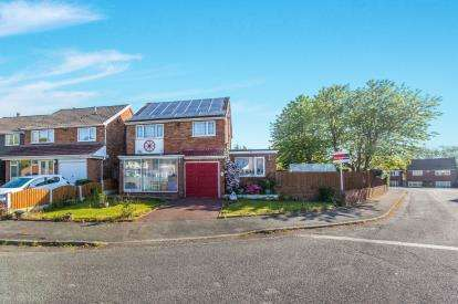 3 Bedrooms Detached House for sale in Crail Grove, Birmingham, West Midlands