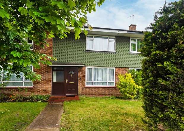 2 Bedrooms Terraced House for sale in Post Office Lane, George Green, Buckinghamshire