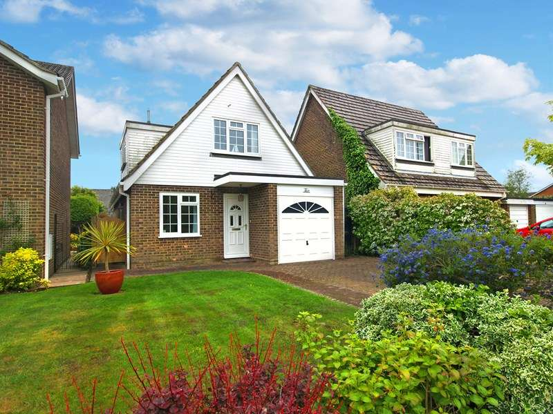 3 Bedrooms Detached Bungalow for sale in The Willows, Barton-On-Sea, New Milton