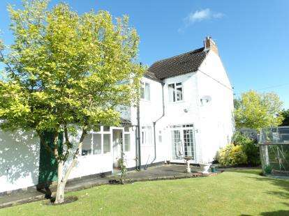 3 Bedrooms Detached House for sale in Park Road, Birstall, Leicester, Leicestershire
