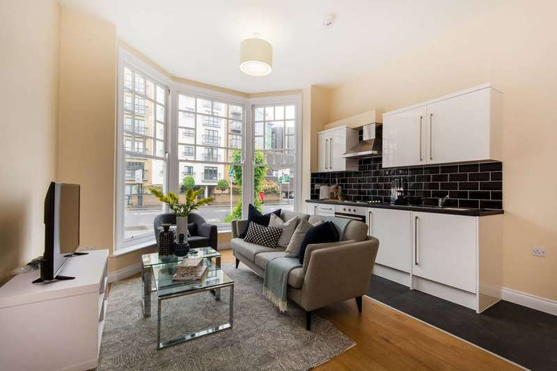 3 Bedrooms Flat for sale in Park Lane, Croydon, CR0
