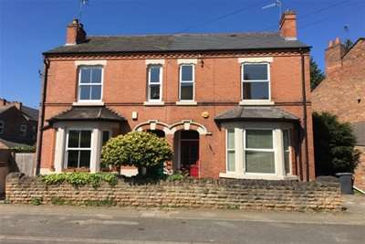 3 Bedrooms House for rent in Church Drive, West Bridgford