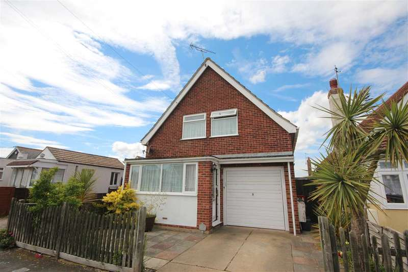 3 Bedrooms Detached House for sale in Meadow Way, Jaywick, Clacton-On-Sea