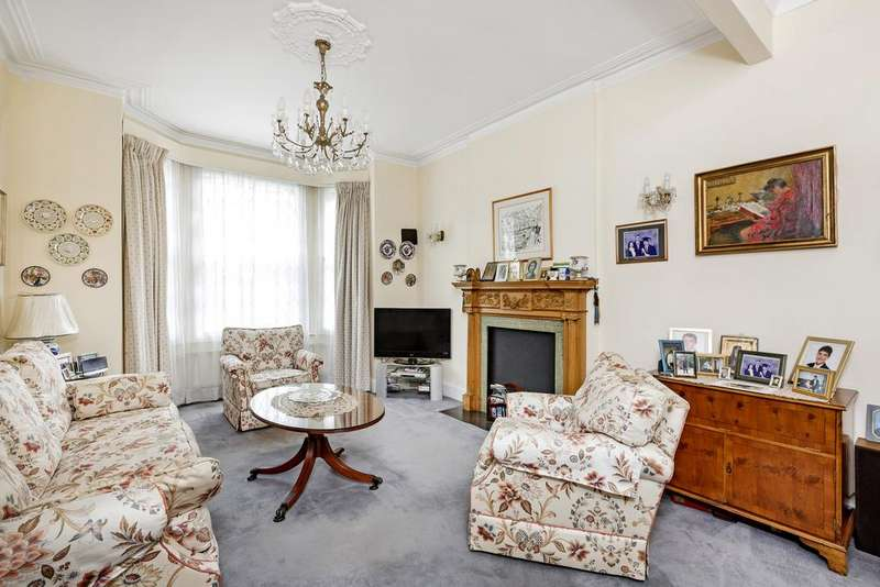 5 Bedrooms Terraced House for sale in Belleville Road, SW11