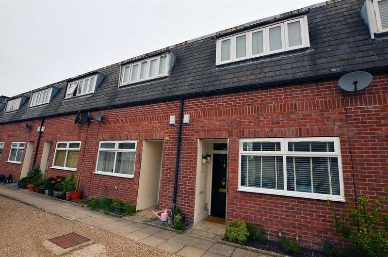 2 Bedrooms Town House for sale in Tigel Mews, Norcot Road, Tilehurst, Reading