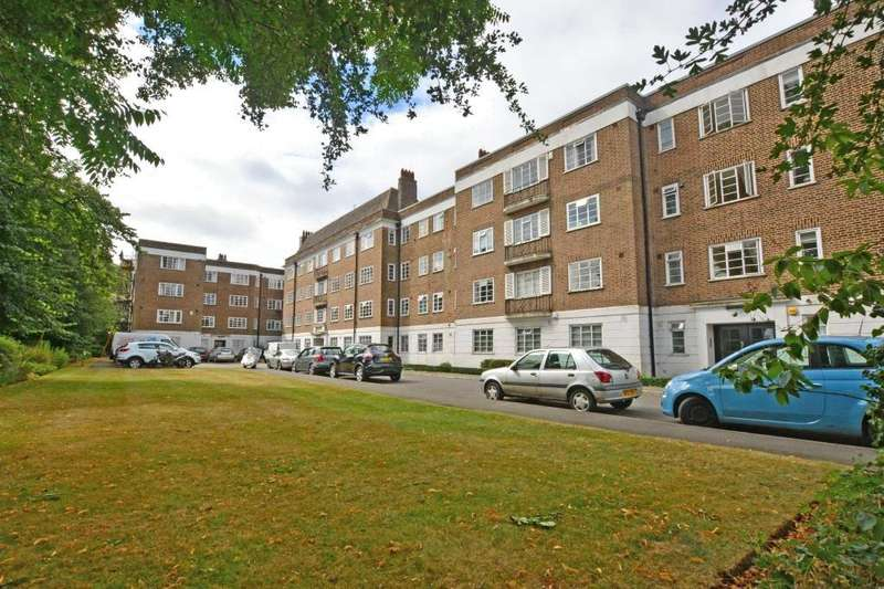 2 Bedrooms Flat for sale in Dartmouth Court, Dartmouth Grove, London, SE10