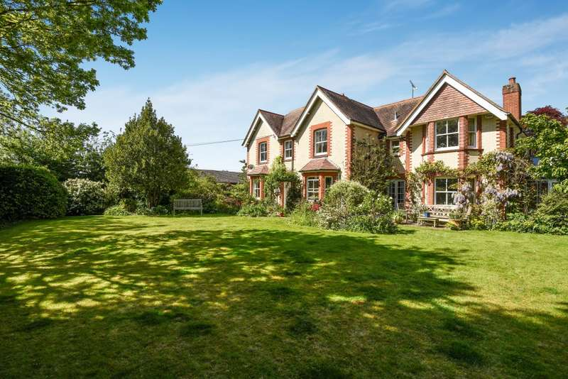 5 Bedrooms Detached House for sale in Datchet Green, Brightwell-Cum-Sotwell, Wallingford, OX10