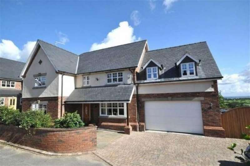 5 Bedrooms Detached House for sale in Pennant View, Gorsedd