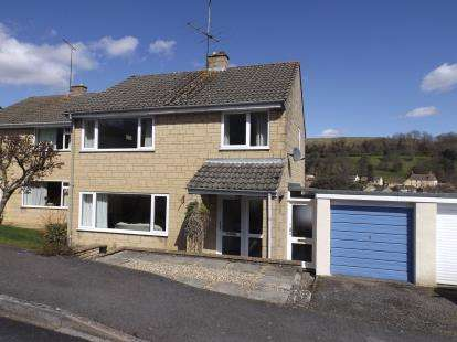 3 Bedrooms Detached House for sale in Parklands, Wotton-Under-Edge, Gloucestershire