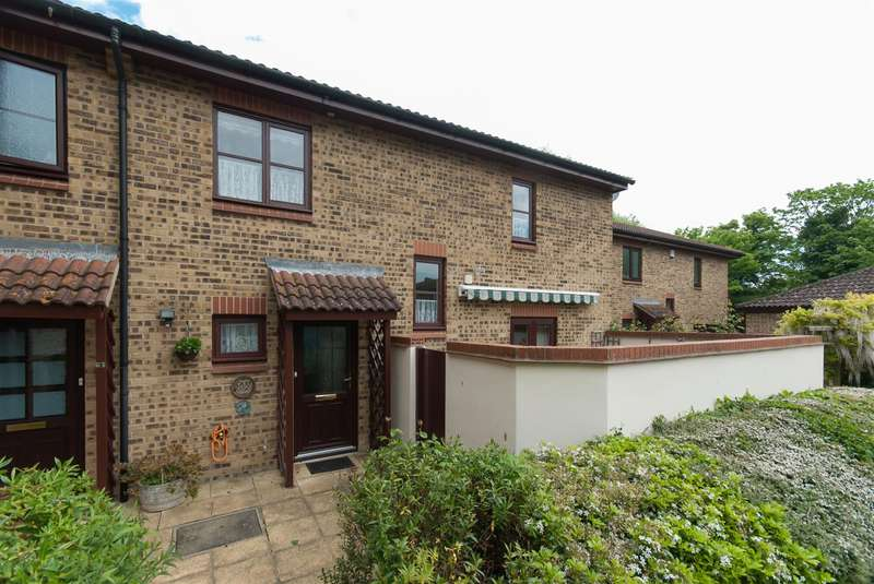 2 Bedrooms End Of Terrace House for sale in Lyell Road, Birchington
