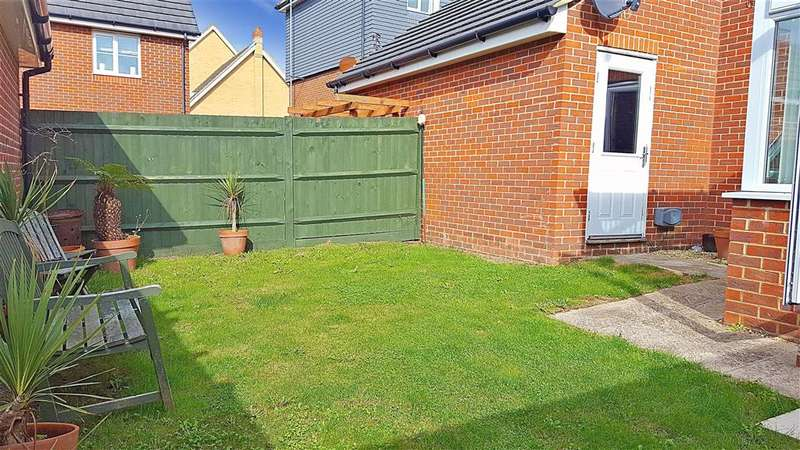 4 Bedrooms Town House for sale in Faulkner Gardens, Littlehampton, West Sussex