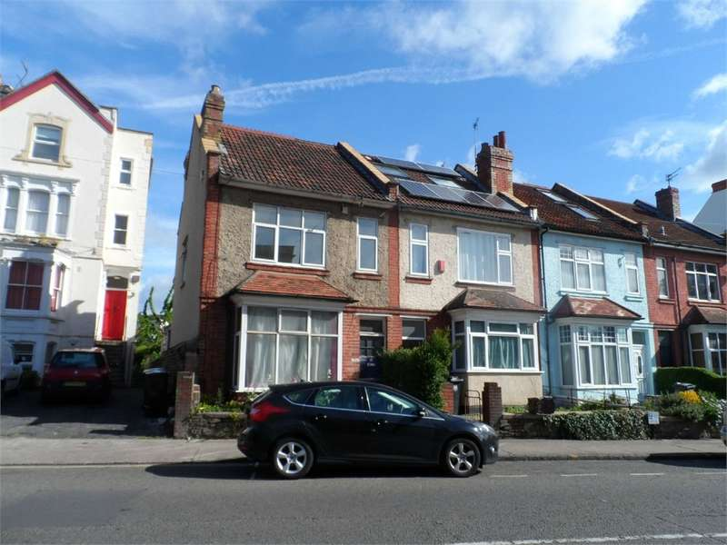 4 Bedrooms Terraced Bungalow for rent in Ashley Road, Bristol