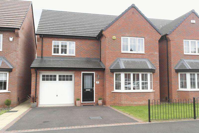 4 Bedrooms Detached House for sale in Limestone Close, Aldridge, Walsall