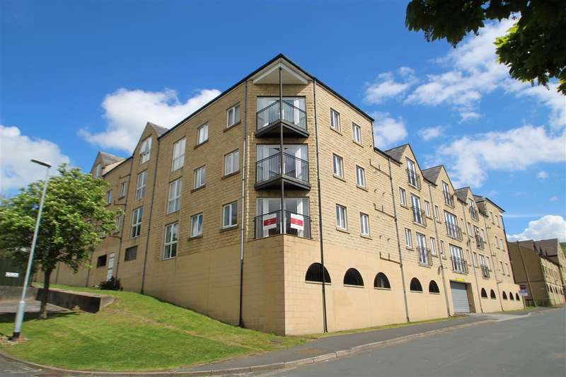 3 Bedrooms Apartment Flat for sale in Winchester Court, West View, Halifax