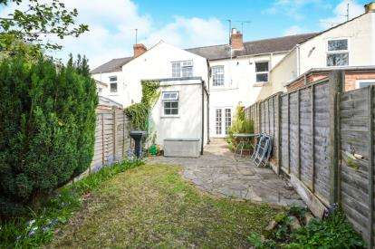 2 Bedrooms Terraced House for sale in Painswick Road, Gloucester, Gloucestershire