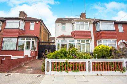 5 Bedrooms Semi Detached House for sale in Orchard Gate, London