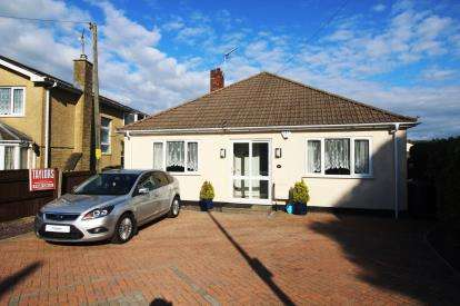 3 Bedrooms Bungalow for sale in Spring Hill, Kingswood, Bristol