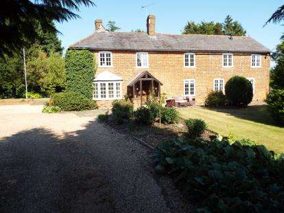 4 Bedrooms Detached House for sale in Bendish, Hitchin, Hertfordshire