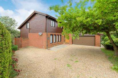 5 Bedrooms Detached House for sale in Gibsons Green, Heelands, Milton Keynes