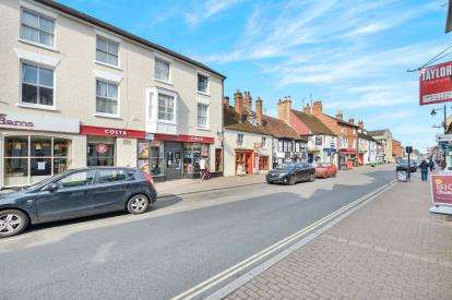 1 Bedroom Flat for sale in Cofferidge Close, Stony Stratford, Milton Keynes