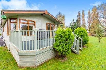 2 Bedrooms Mobile Home for sale in Moorhen Island, Crow Lane, Northampton, Northamptonshire