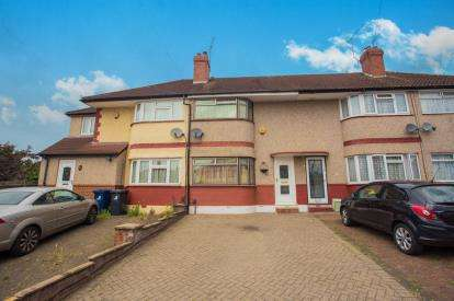 2 Bedrooms Terraced House for sale in Girton Close, Northolt