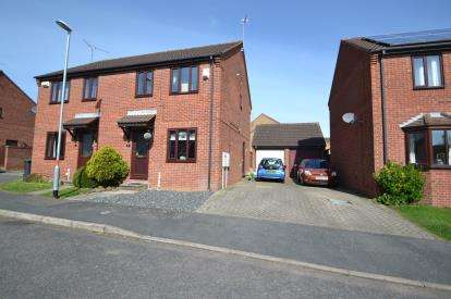 3 Bedrooms Semi Detached House for sale in Severn Close, Wellingborough, Northamptonshire
