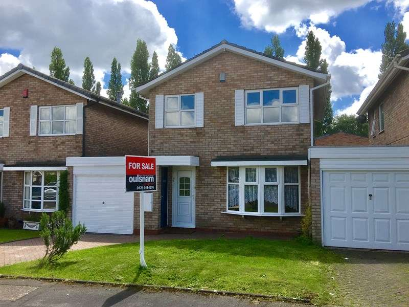 3 Bedrooms Link Detached House for sale in Leander Gardens, Kings Heath