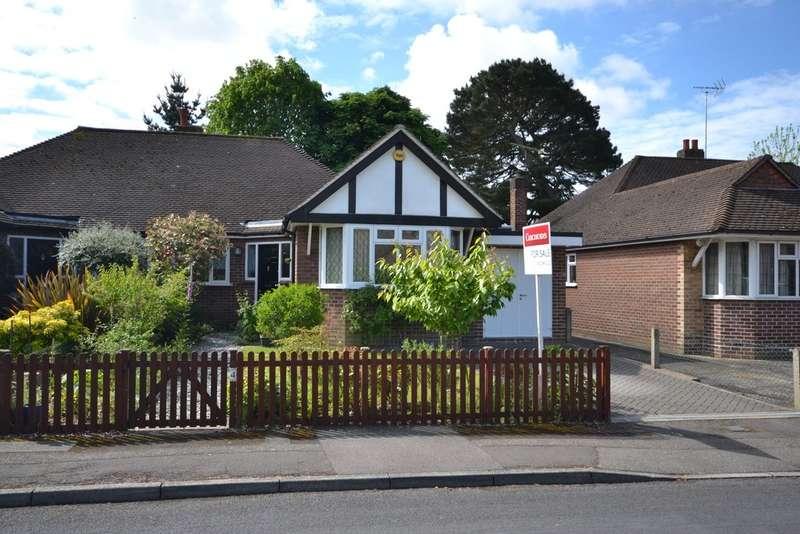 3 Bedrooms Semi Detached Bungalow for sale in Weybridge