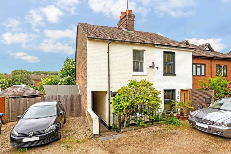 3 Bedrooms Semi Detached House for sale in Middle Road, Berkhamsted