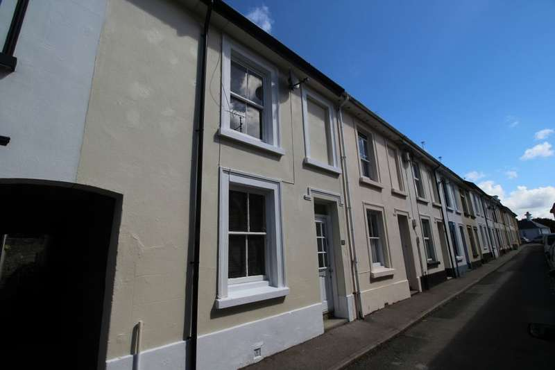 3 Bedrooms Property for sale in Daniel Place, Penzance, TR18