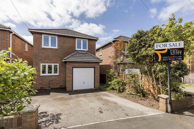 3 Bedrooms Detached House for sale in Charminster Close, Waterlooville PO7