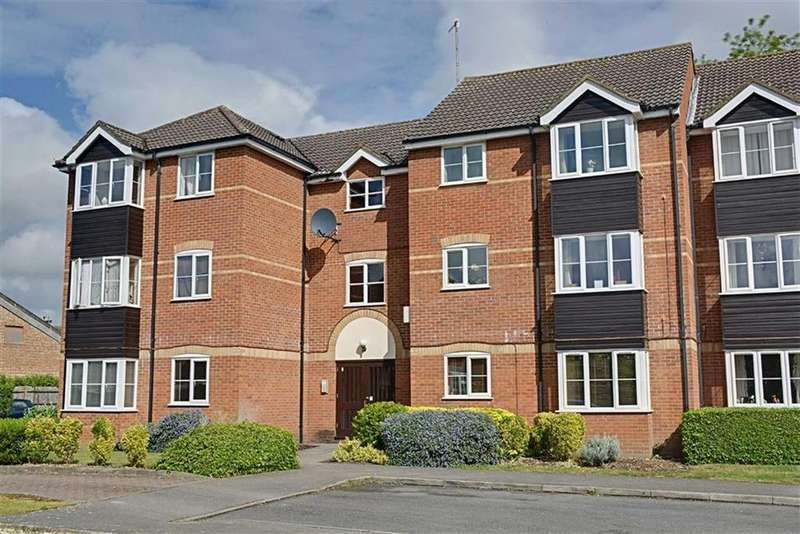 2 Bedrooms Flat for sale in The Springs, Tamworth Road, Hertford, SG13