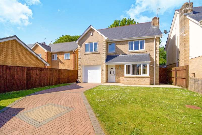 4 Bedrooms Detached House for sale in Andrews Close, Tondu, Bridgend