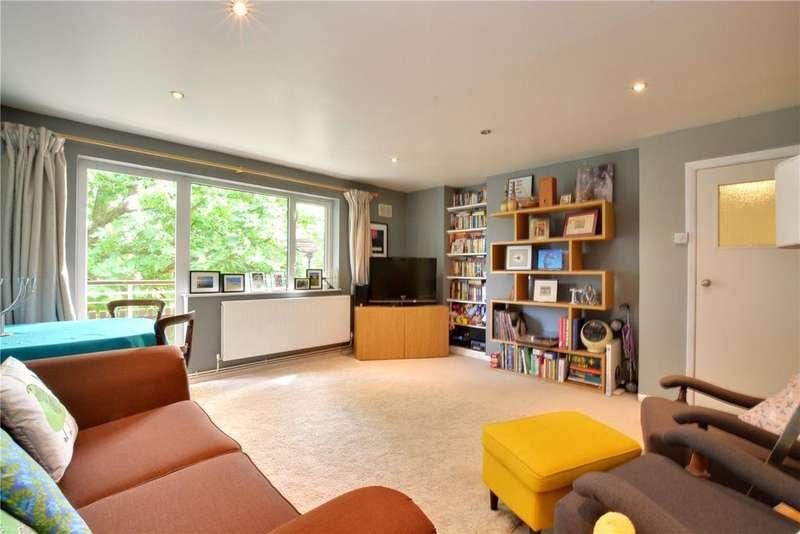2 Bedrooms Flat for sale in Wyatt House, Wemyss Road, Blackheath, London, SE3