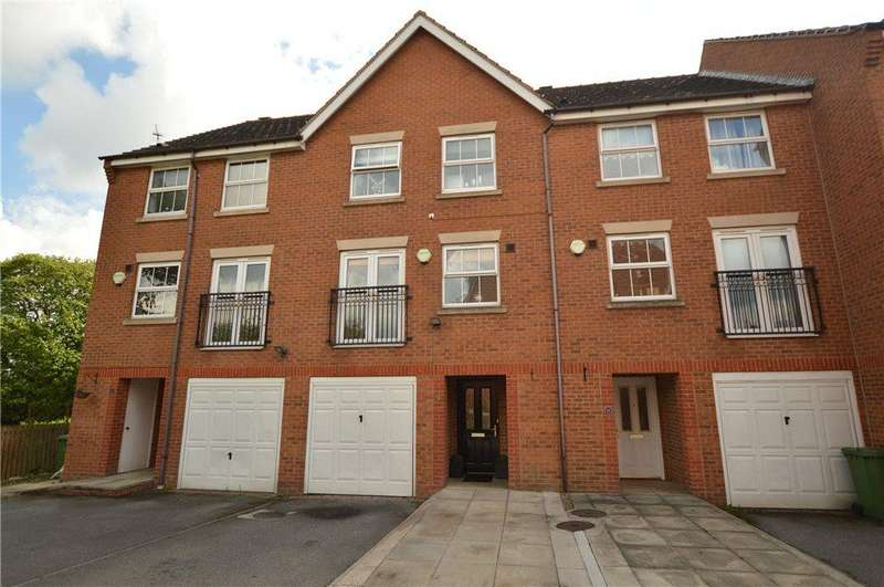4 Bedrooms Town House for sale in Field Park Grange, Gildersome, Leeds