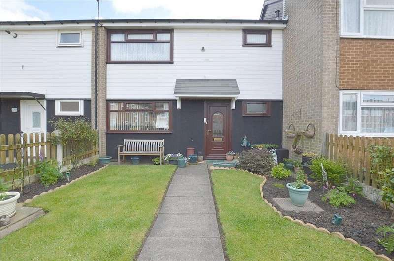 3 Bedrooms Town House for sale in Hebden Close, Leeds, West Yorkshire
