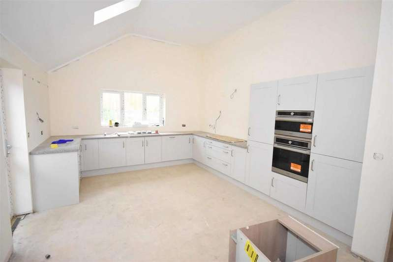 3 Bedrooms Bungalow for sale in Polwell Lane, Barton Seagrave, Kettering