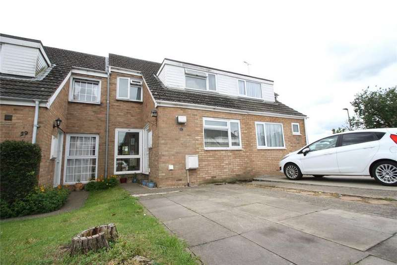 3 Bedrooms Terraced House for sale in Roundhead Drive, Thame, OX9