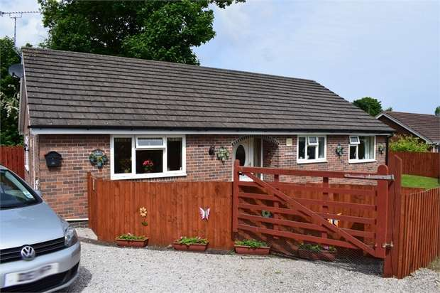 3 Bedrooms Detached Bungalow for sale in Bryntirion Road, Bagillt, Flintshire