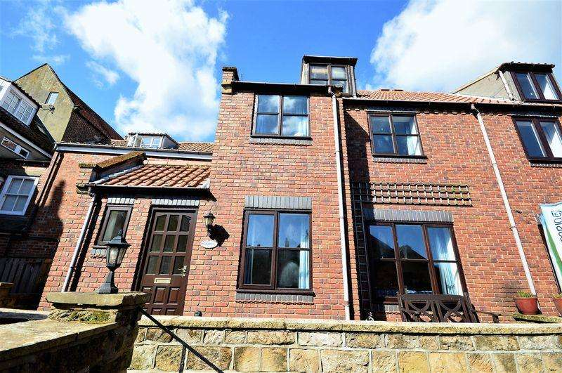 3 Bedrooms Cottage House for sale in Easterbys Yard, Whitby
