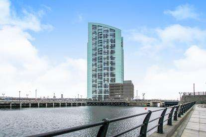 3 Bedrooms Flat for sale in Princes Parade, Liverpool, Merseyside, Liverpool, L3